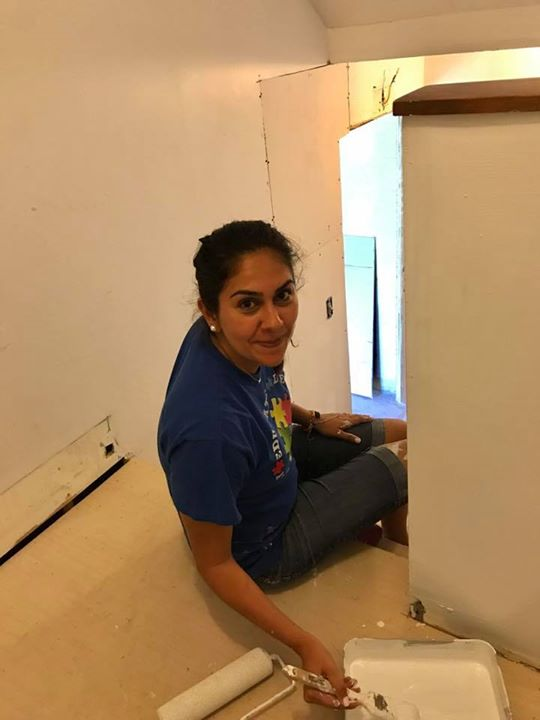 Welcome to the ACRES family Karla!!! So glad to have you with us!! Bob and Marian showed her the painting ropes today!!